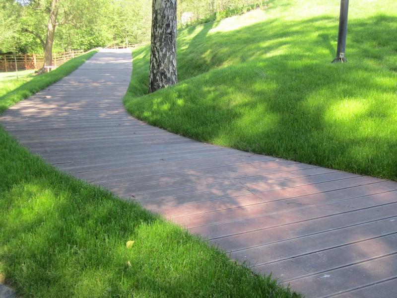 Dřevěný chodník z materiálu Massaranduba